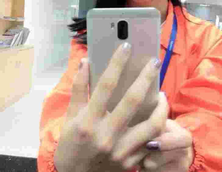 Leeco和CoolPad正在8月份在高端智能手机上携带