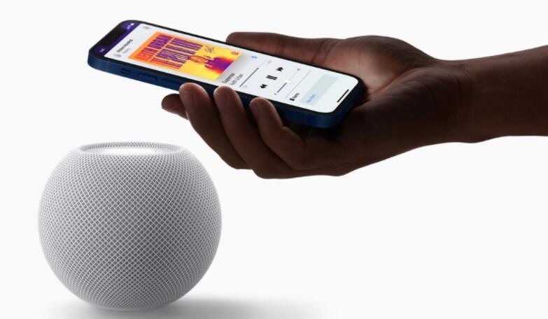 苹果的HomePod迷你智能扬声器包含一个温度和湿度传感器